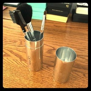 3 pc makeup brush set with silver holder!